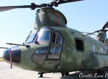 CH47 Chinook  RNLAF a Rivolto
