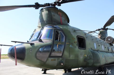 CH47 Chinook  RNLAF a Rivolto